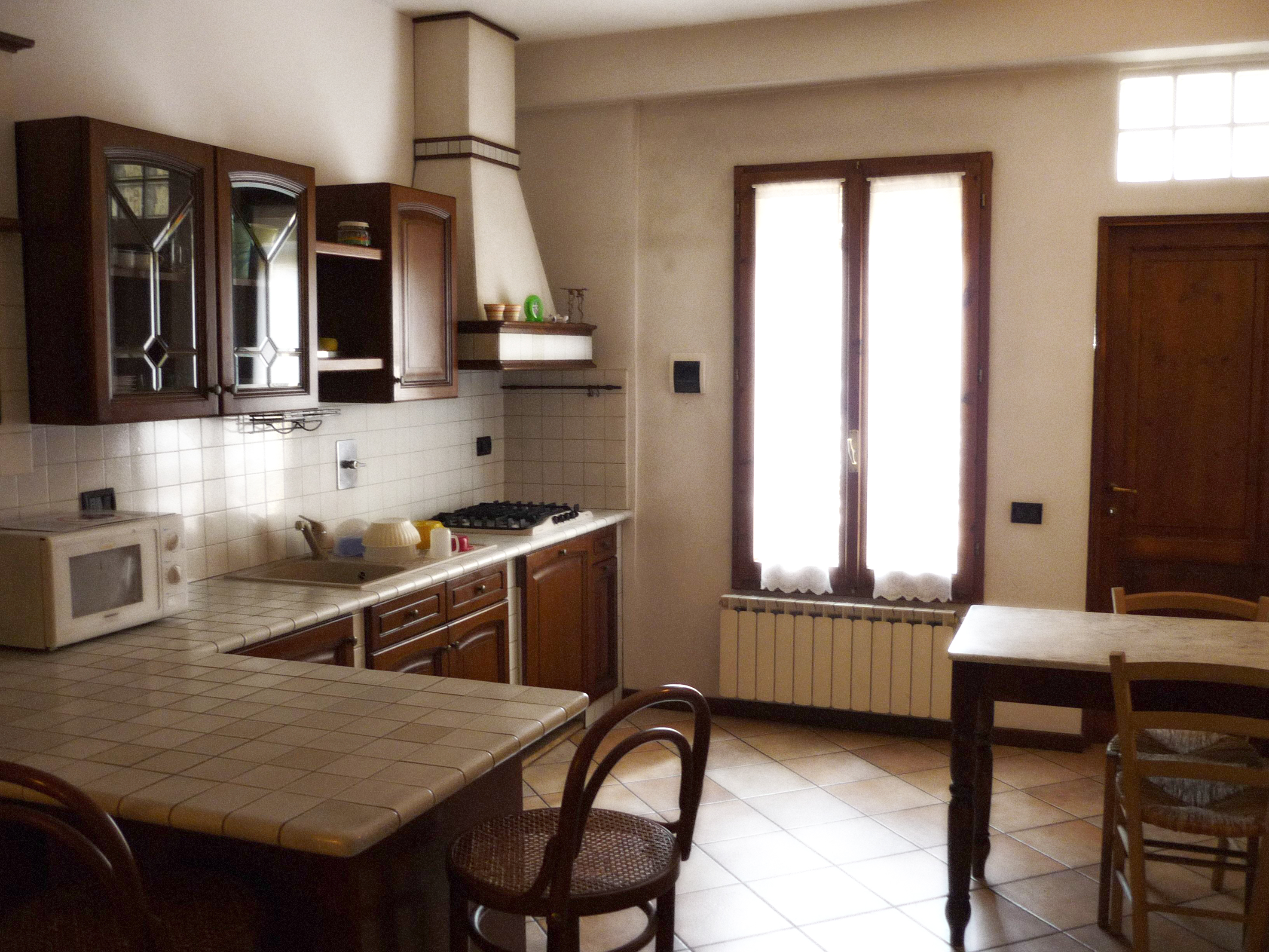 Traditional Student apartment with full kitchen.